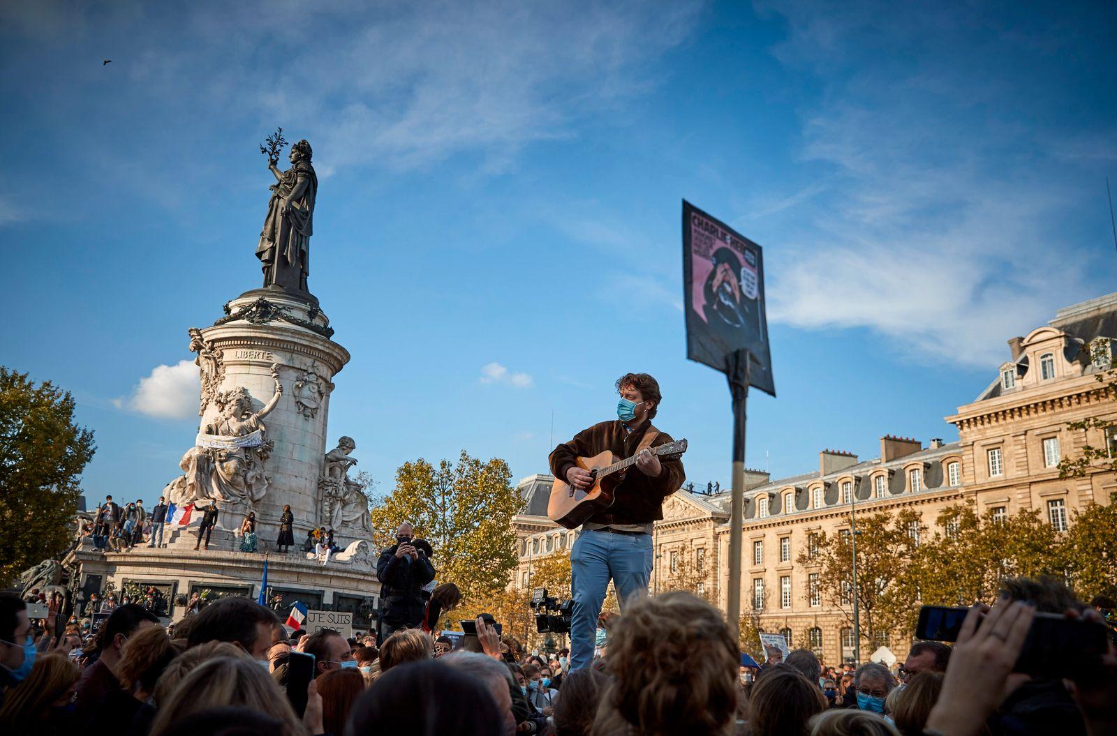Anti-Terrorism Vigil Held For Beheaded Teacher