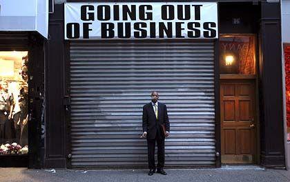 Raucher vor geschlossenem Geschäft in New York: Rezession als private Erfindung