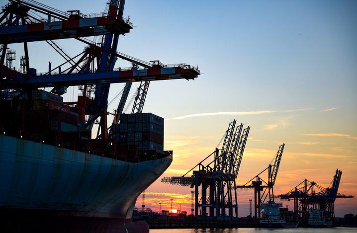 Schiffe im Hamburger Hafen (Archiv)