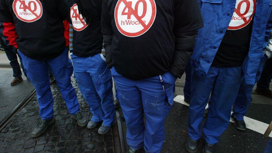 Arbeitnehmer streiken für die 35-Stunden-Woche: Jetzt sollen weitere fünf Stunden runter