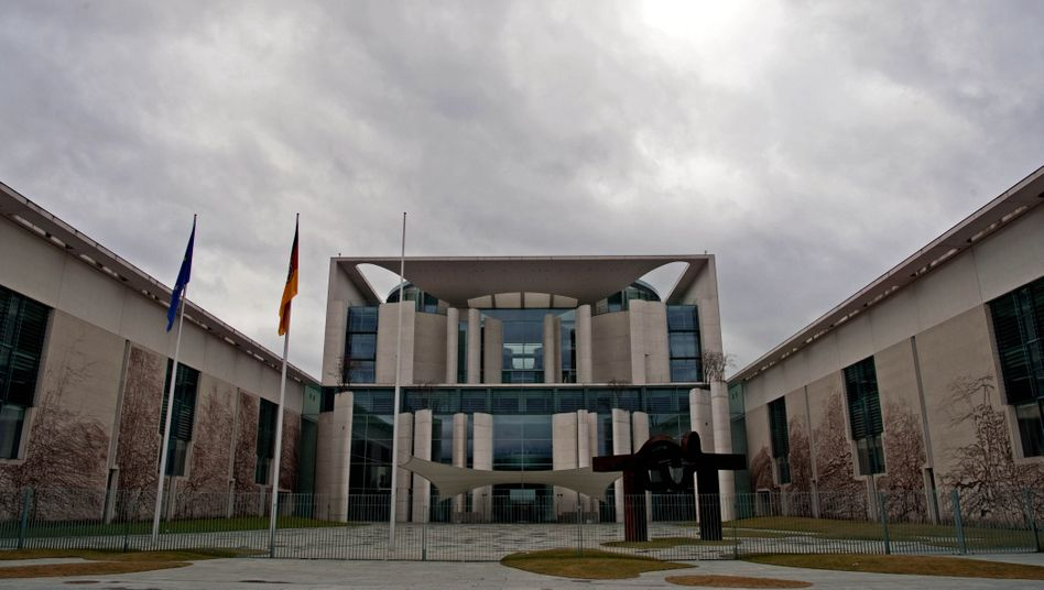 Bundeskanzleramt in Berlin (Archivbild): Wer wusste wann was?