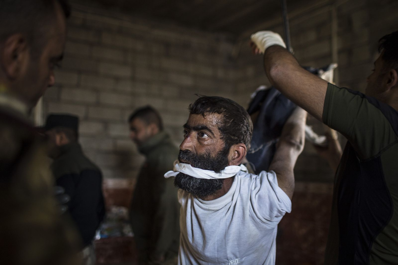 Männer frauen foltern Grausame Foltermethoden