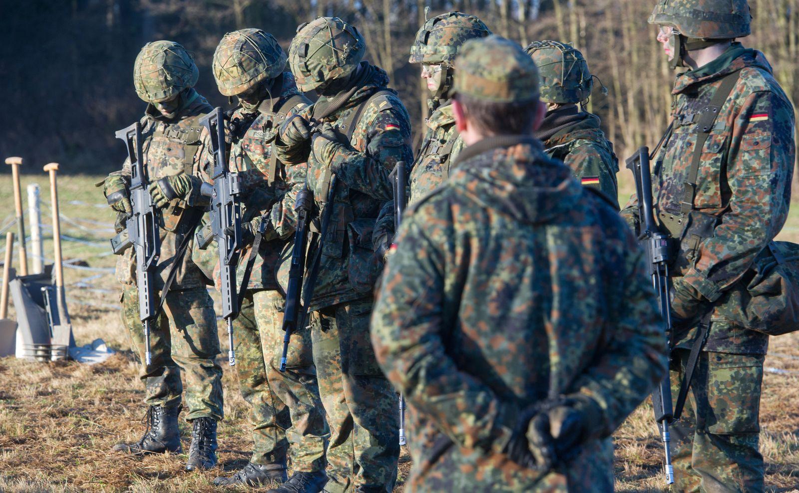 Bundeswehr / Soldaten / Grundausbildung
