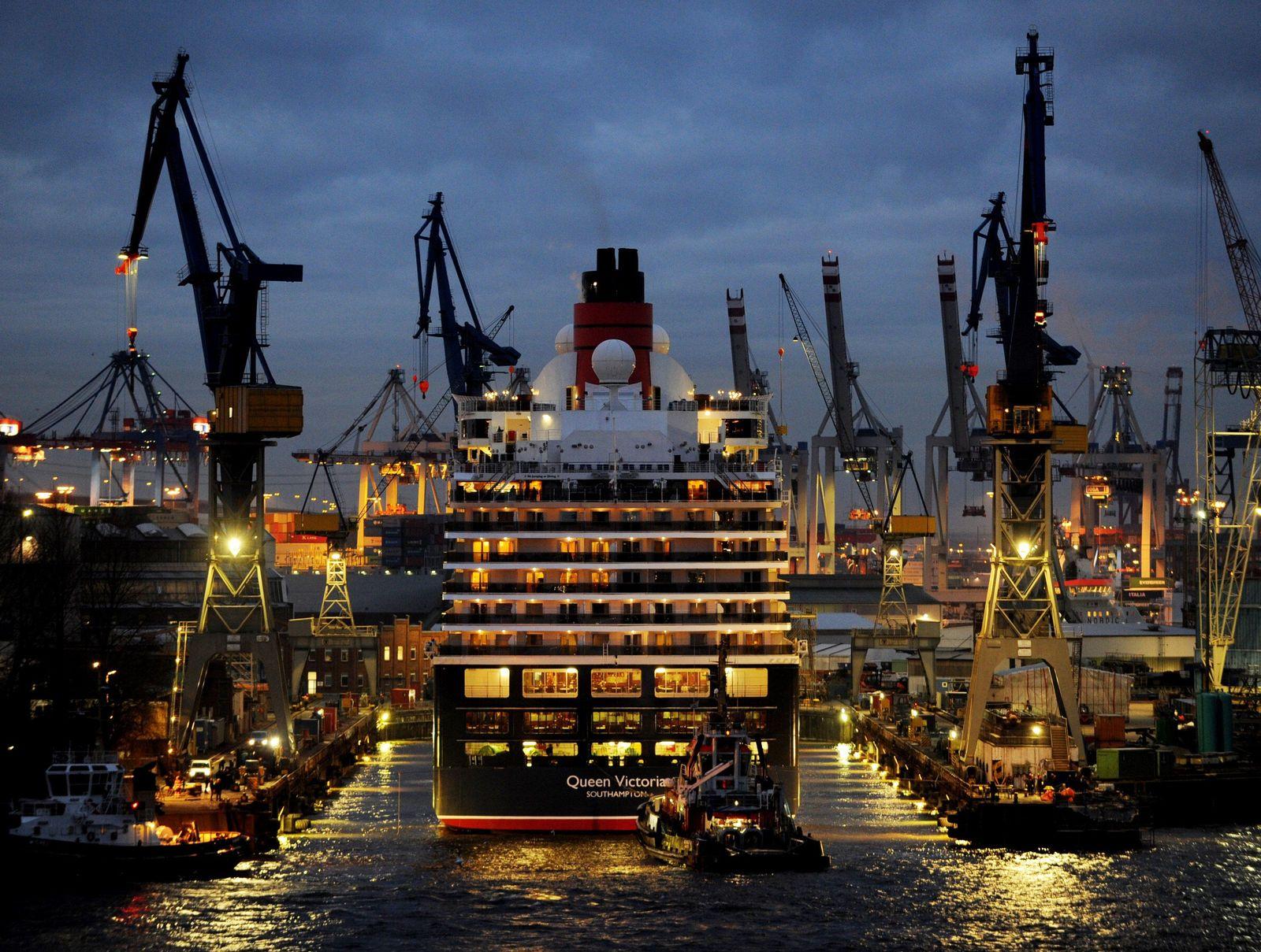Hamburg Hafen / Queen Victoria / Blohm+Voss Werft