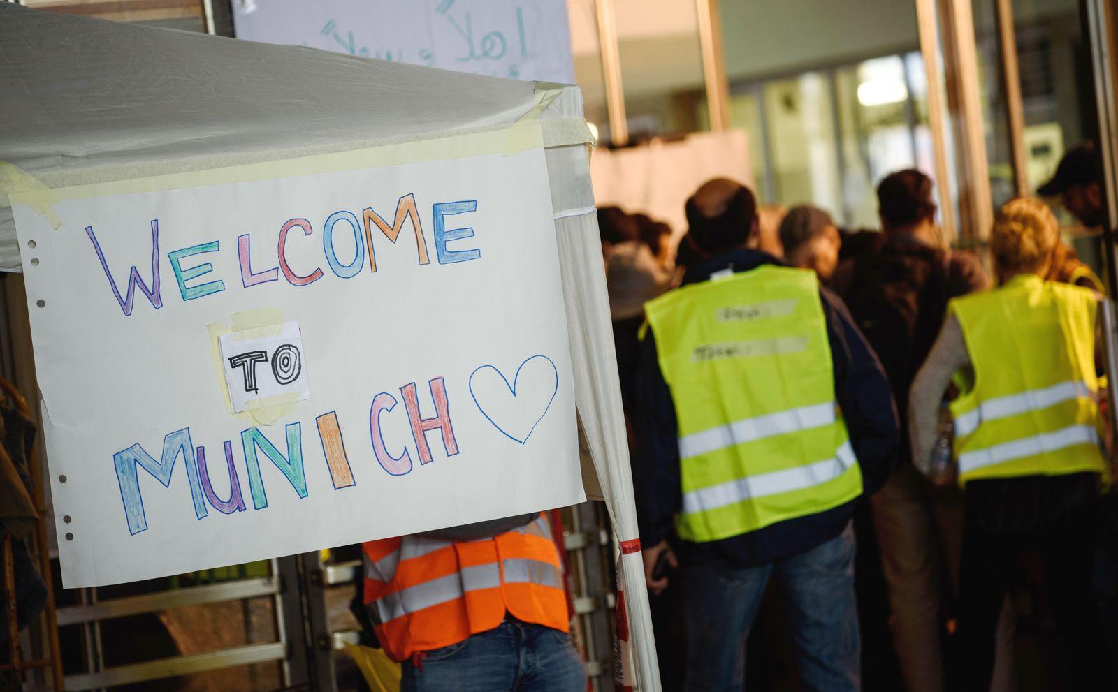 Ankunft von Flüchtlingen am Hauptbahnhof München 2015