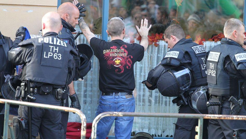 Polizeieinsatz bei Rechtsrock-Konzert