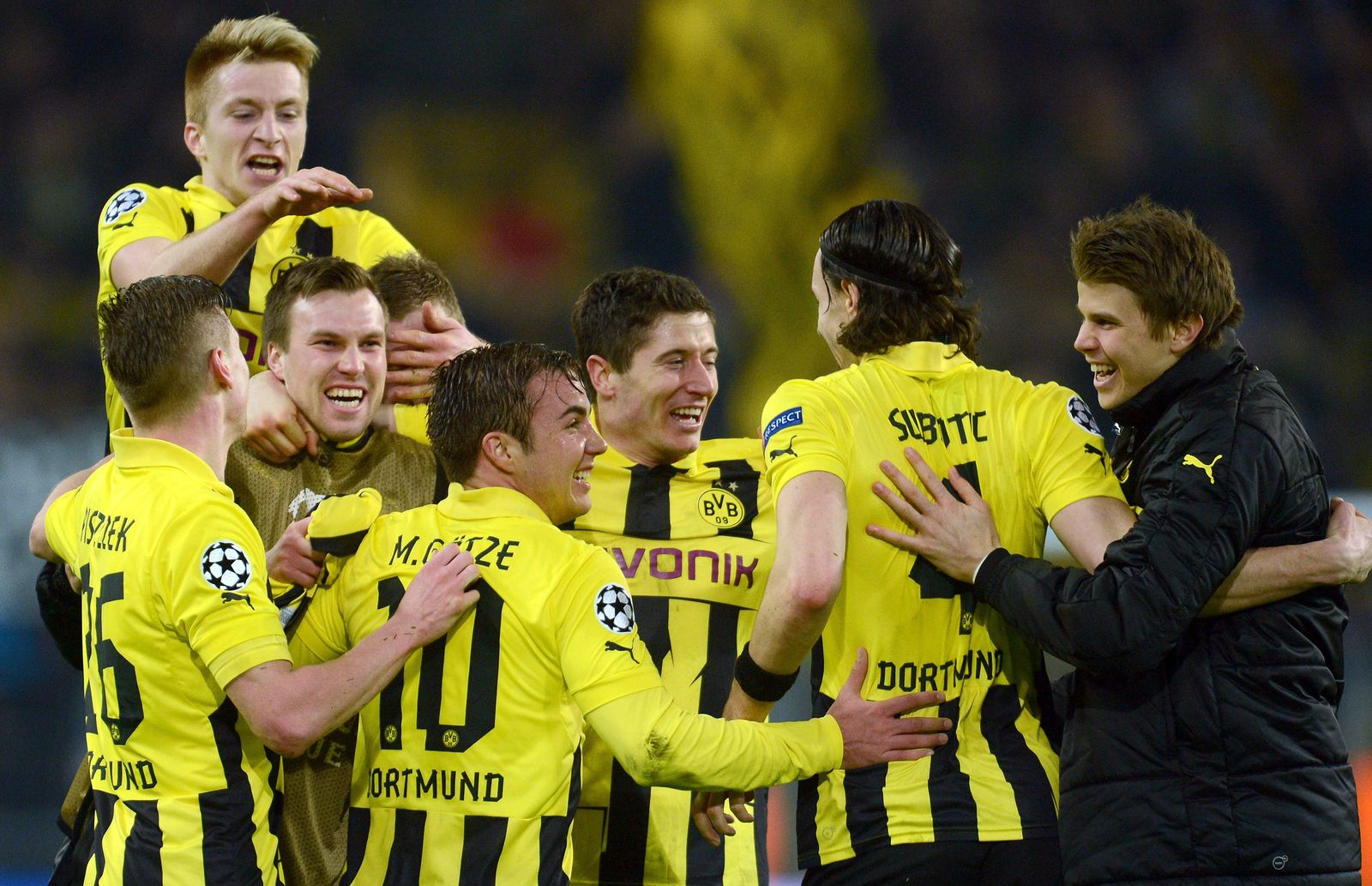 EINMALIGE VERWENDUNG Dortmund vs Malaga
