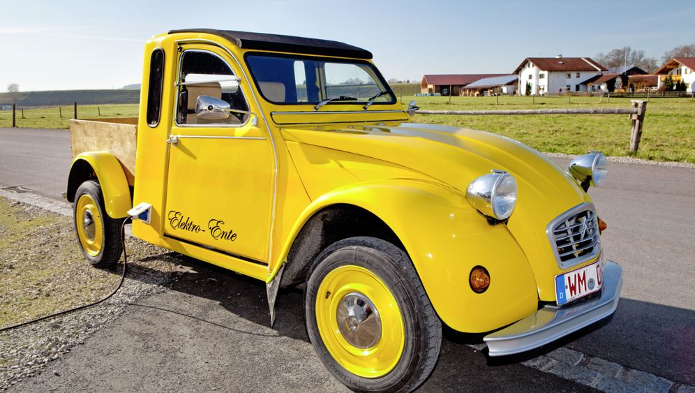 Photo Gallery: The Citroën 2CV