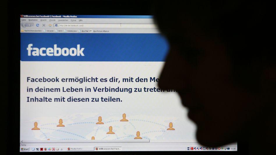 """Facebook: Der Chef der """"New York Times"""" wettert über die """"falsche Kameradschaft"""" dort"""