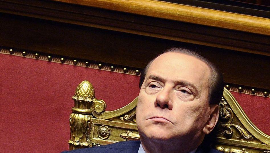 """Premier Berlusconi: """"Nun halten Frauen über Dich Gericht"""""""