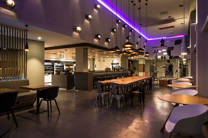 Das Restaurant im Hotel Moxy in Mailand: keine Möbel von Ikea