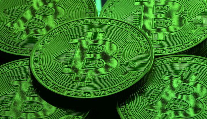 »Alles, was Sie tun müssen, ist sich zurückzulehnen und zu entspannen« – so klingt Betrug mit Bitcoin
