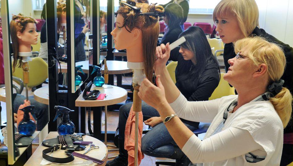 Friseurinnenausbildung in Sachsen: Immer mehr Frauen zieht es an die Hochschulen