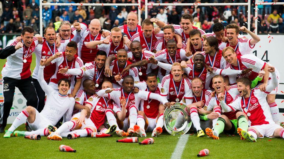 Ajax-Profis: Meisterfeier in Almelo