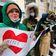 Nawalny-Unterstützer protestieren mit Herz und Taschenlampe