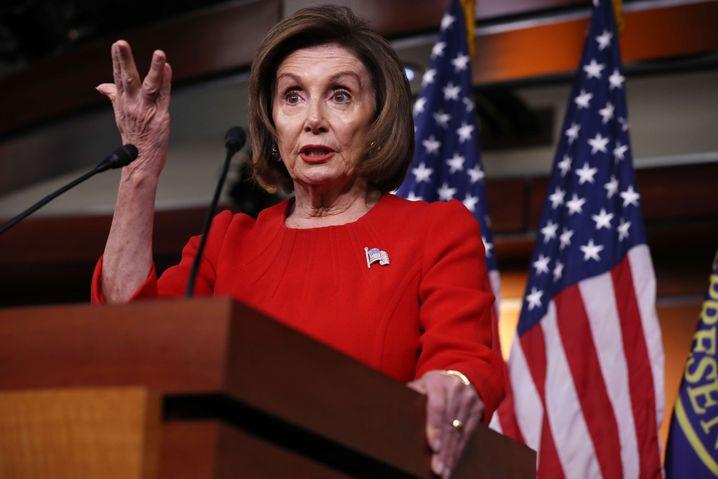 Die Anführerin der Demokraten, Nancy Pelosi, muss entscheiden, ob noch vor Weihnachten über Trump abgestimmt werden soll