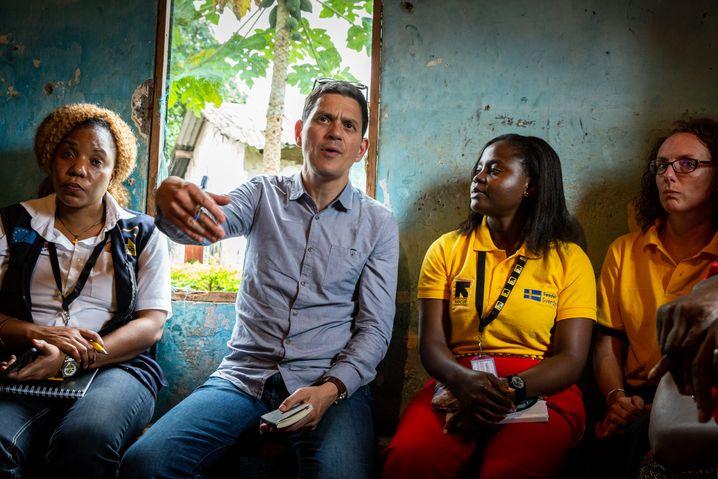 David Miliband, Leiter der US-Hilfsorganisation IRC, bei seinem Besuch in Kamerun
