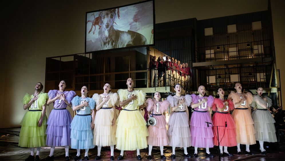 """""""Germania"""" an der Volksbühne: Despoten auf dem Abort"""