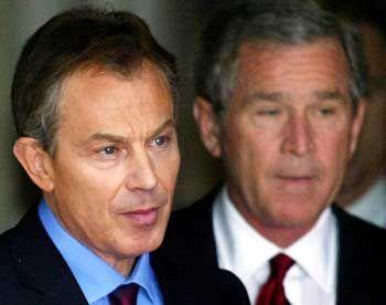 Britischer Premier Tony Blair, US-Präsident George W. Bush: Mit auf der Liste