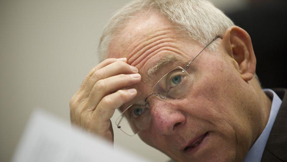 Bundesfinanzminister Wolfgang Schäuble: Seit wann wusste er von dem Milliardenfehler?