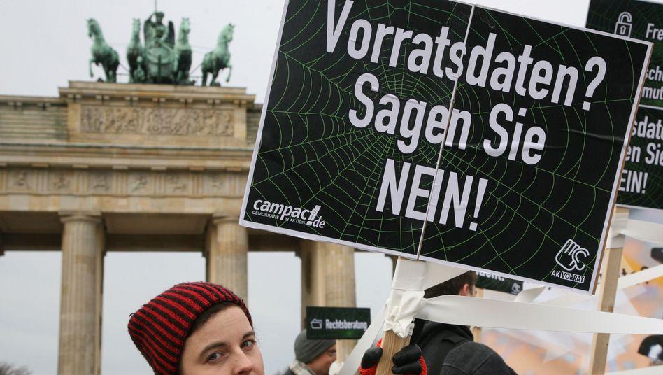 Demonstration gegen Vorratsdaten (14. Dezember): Umstrittene Vorgabe aus Brüssel