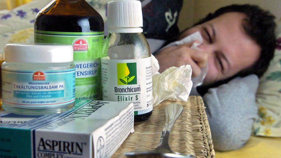 Erkältung im Anmarsch: Am besten gönnt man dem Körper Ruhe - Medikamente sind meist nicht nötig