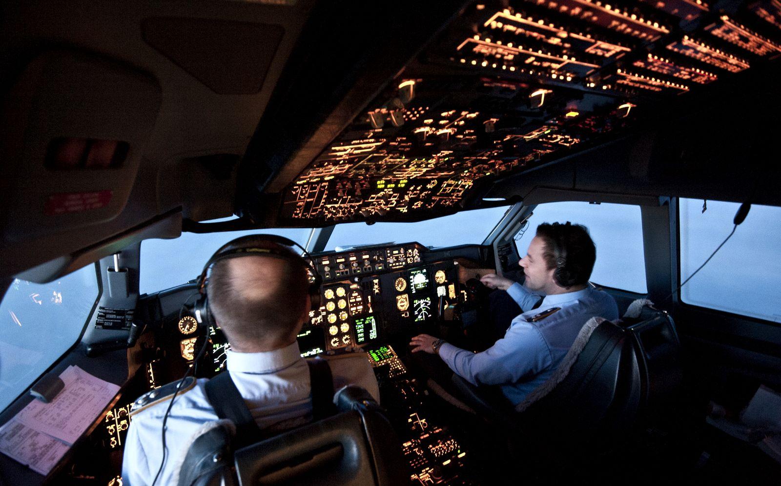 NICHT VERWENDEN KEIN SYMBOLBILD Cockpit / Airbus A310