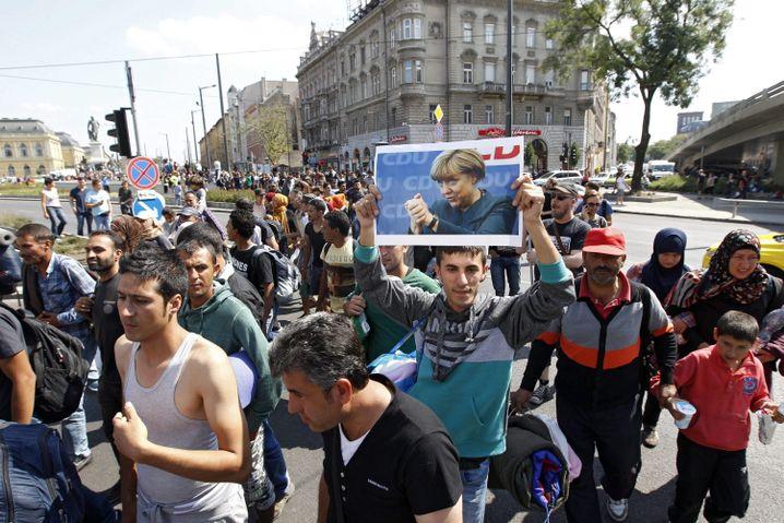 Syrer Morad (M.) am 4. September 2015 in Budapest beim Marsch zur Autobahn