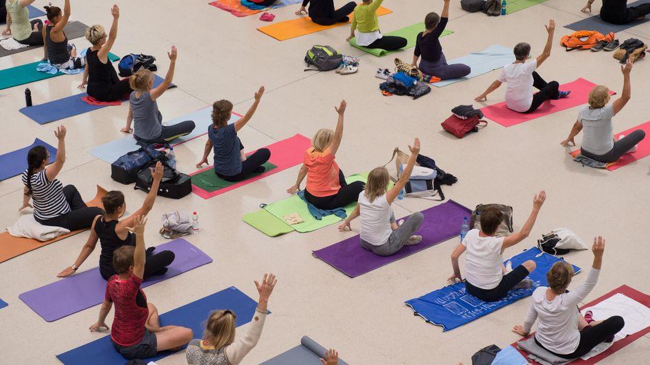 Yoga-Anhängerinnen