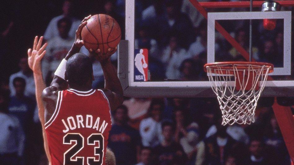 Basketballlegende Michael Jordan im Jahr 1989: 18.000 Dollar für einen Korb
