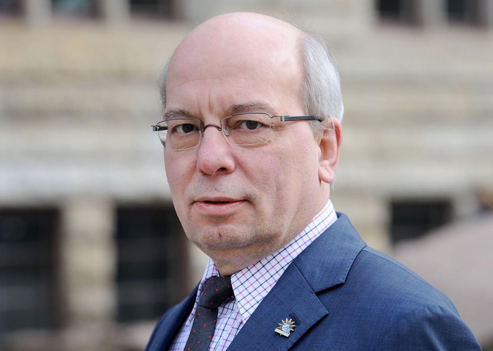 Affäre Wendt im Landtag - Bericht der NRW-Regierung