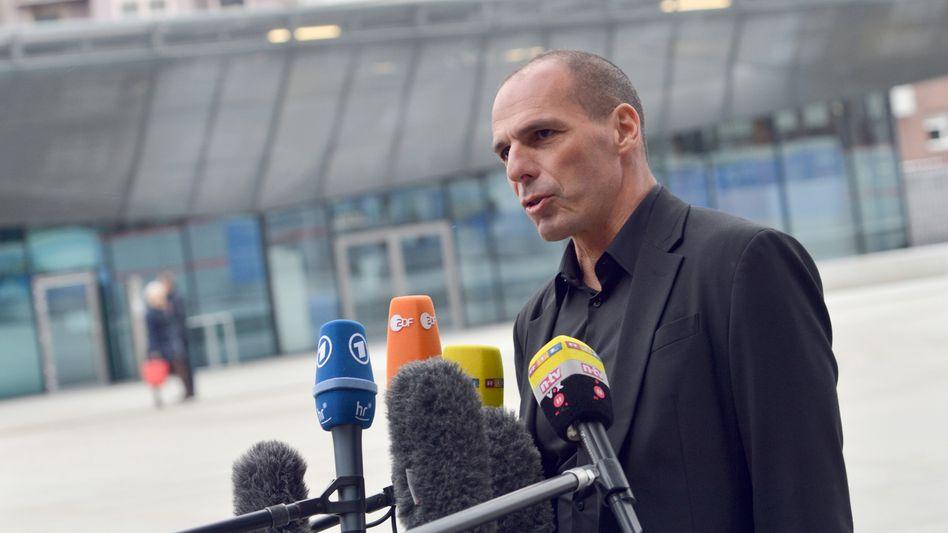 Kein Spaß mehr: Griechischer Finanzminister Giannis Varoufakis vor der EZB