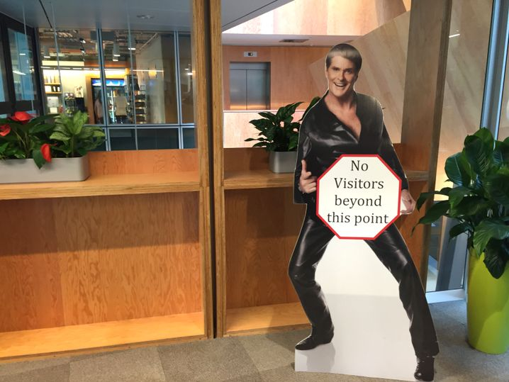 Hasselhoff-Aufsteller: Der Zutritt zu den interessanten Bereichen bleibt verwehrt