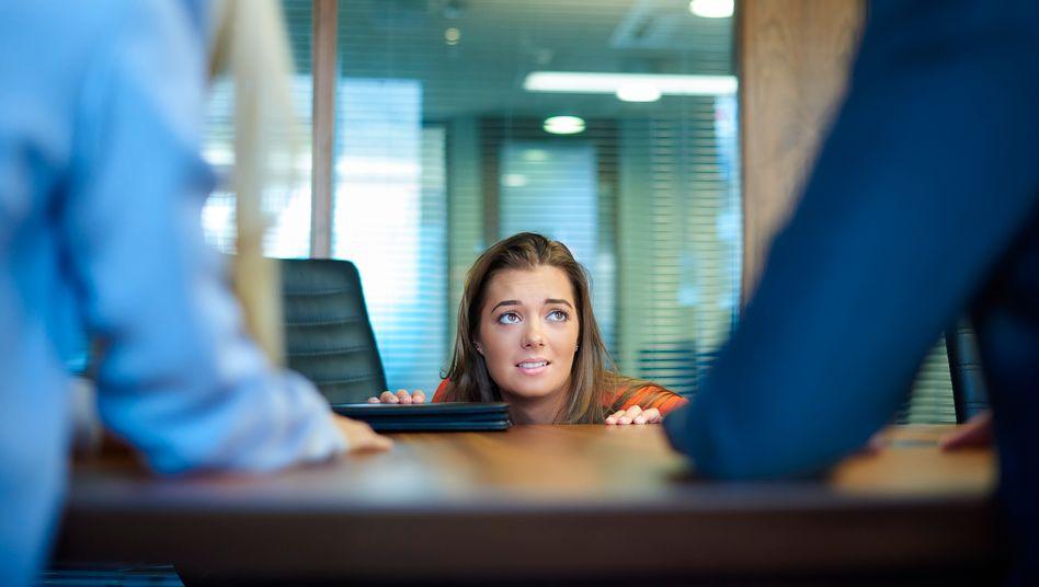 Bitte nicht schon wieder: Wer mehrfach seinen Tisch räumen musste, verliert leicht die Zuversicht