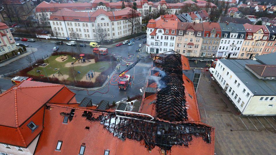 Der ausgebrannte Dachstuhl der geplanten Flüchtlingsunterkunft in Bautzen