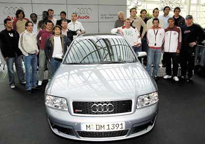 Bayern-Spieler mit Auto: Protest gegen die Kommerzialisierung
