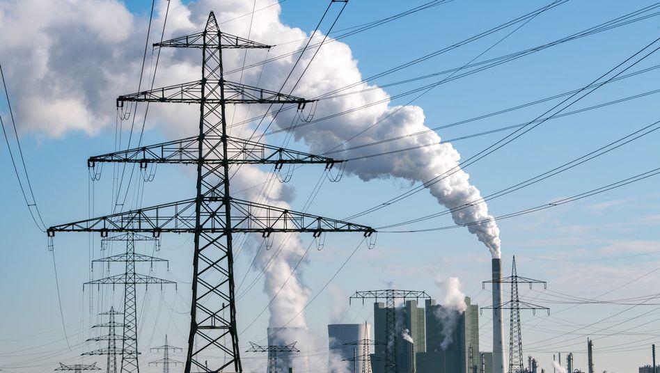 Das Braunkohlekraftwerk Schkopau in Sachsen-Anhalt - es soll bis 2034 laufen