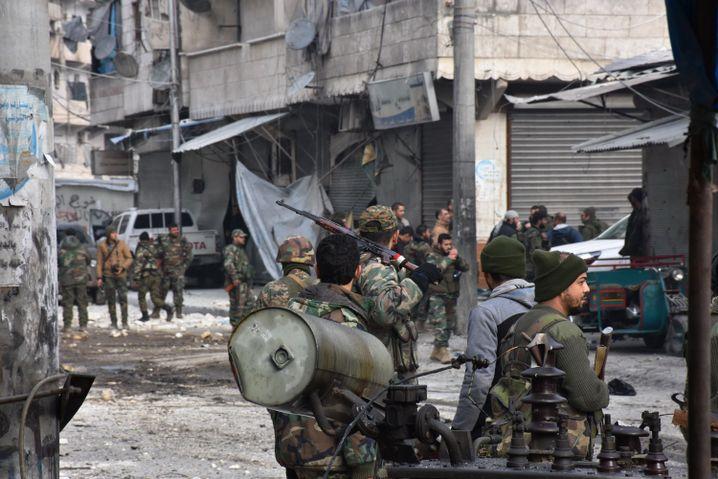 Soldaten der syrischen Regierung in Aleppo
