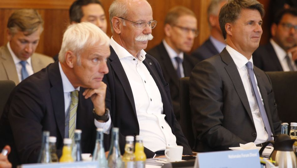 BMW-Chef Harald Krueger, Daimler-Chef Dieter Zetsche, VW-Chef Matthias Müller