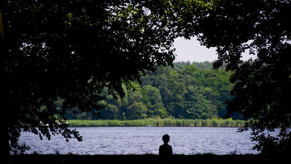 Allein am See: Die Diagnose Depression wird immer häufiger bei Kindern und Jugendlichen gestellt