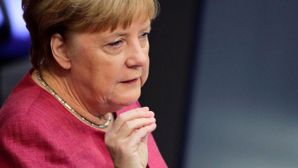 """Bundeskanzlerin Angela Merkel: """"Regeln, Verordnungen und Maßnahmen nützen nichts, wenn sie von den Menschen nicht angenommen werden"""""""