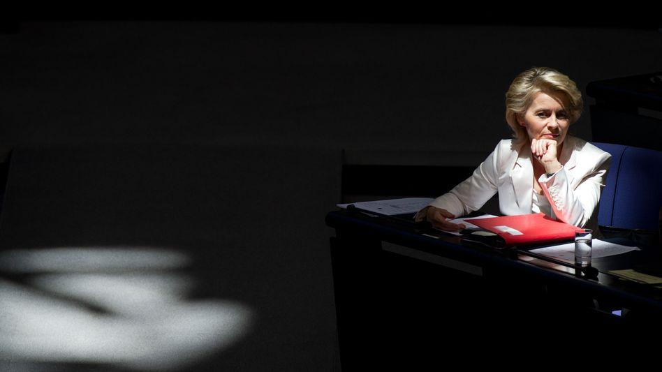 Verteidigungsministerin von der Leyen: Kritik vom Rechnungshof