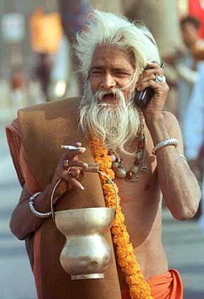 Telefonierender Inder: Das Land wird laut einer Prognose 2009 nach den USA der größte Handymarkt sein