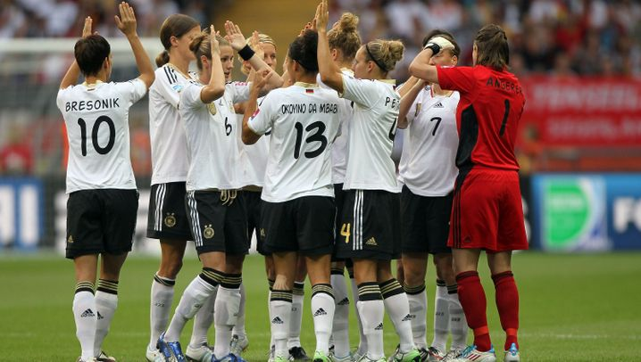 DFB-Frauen: Riesige Euphorie, triste Auftritte