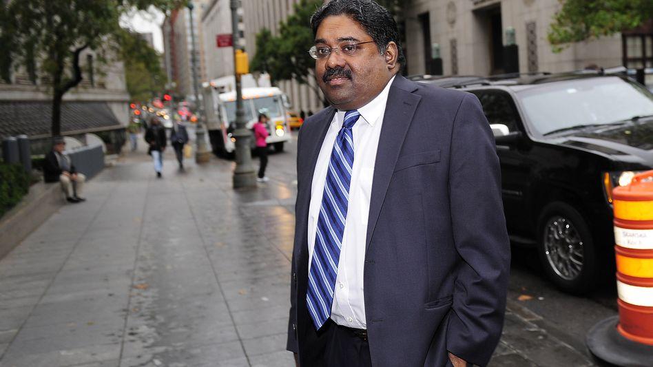 Ex-Hedgefonds-Manager Raj Rajaratnam vor dem Gerichtsgebäude: Kranker Mann