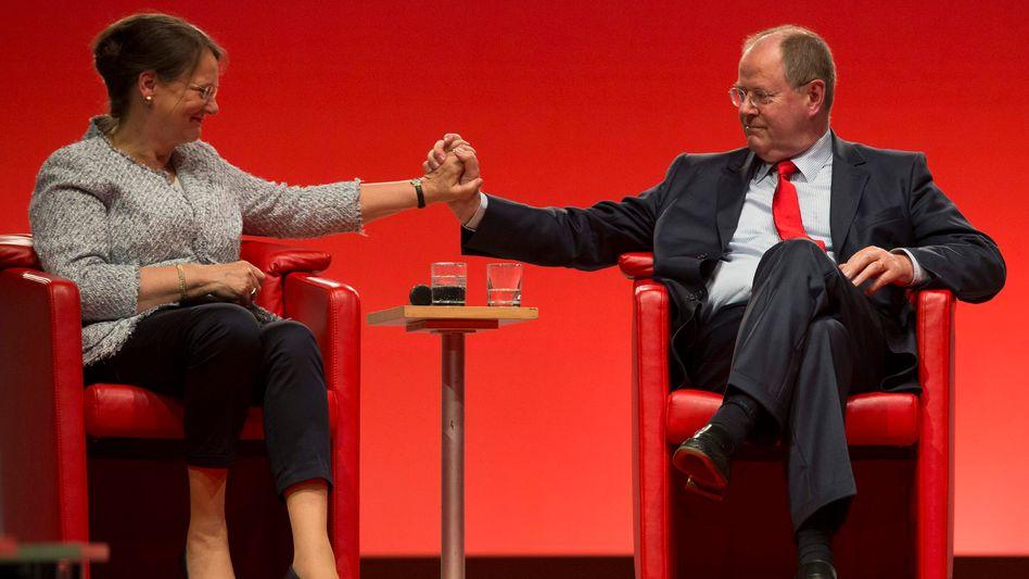 Peer Steinbrück und seine Frau Gertrud: Erpressungsversuch wegen Putzhilfe