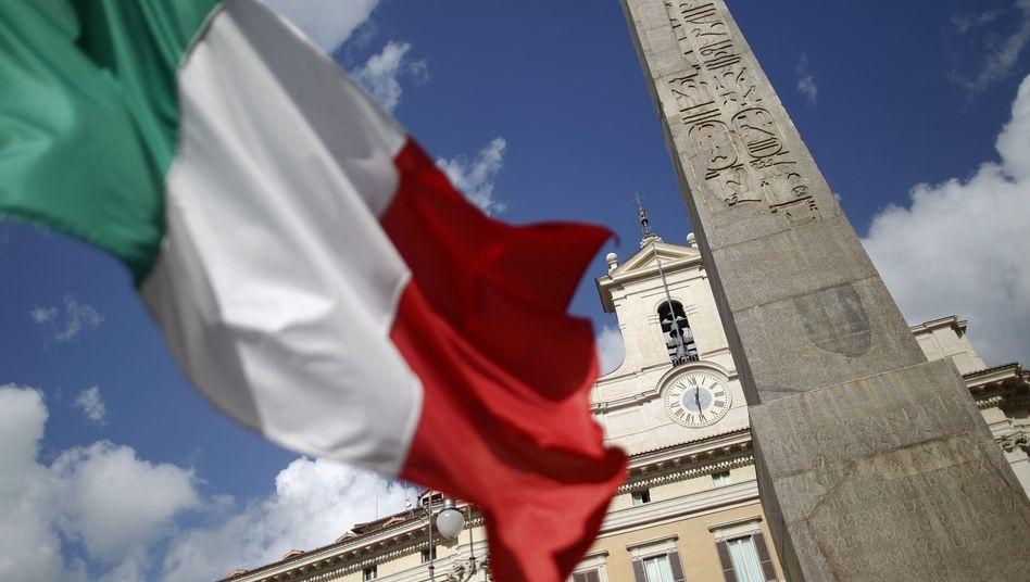 Italienische Fahne in Rom: Das Land könnte an Bonität verlieren
