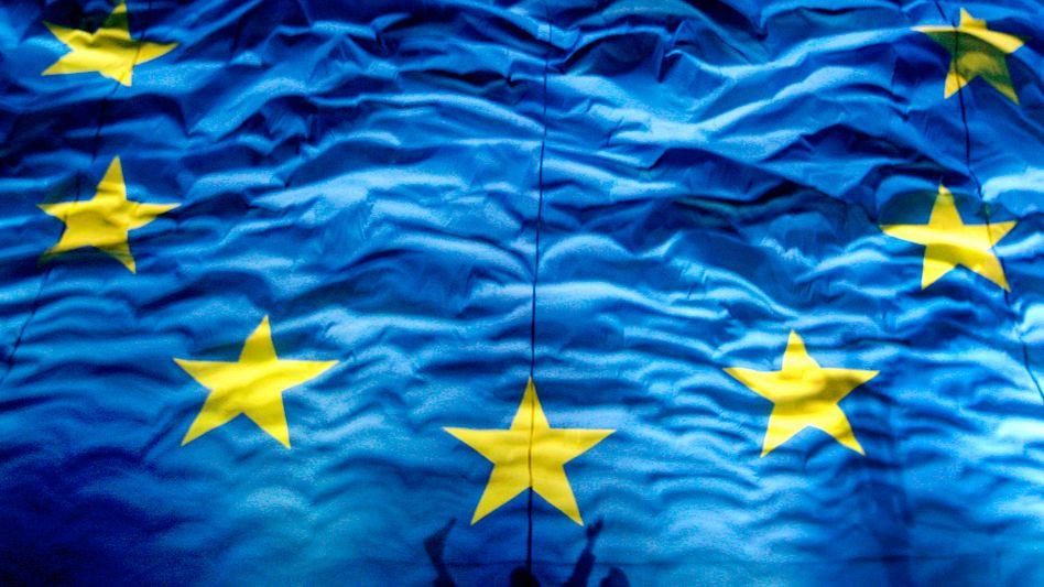 Die Flagge der Europäischen Union: Bessere Stimmung, größerer Zusammenhalt