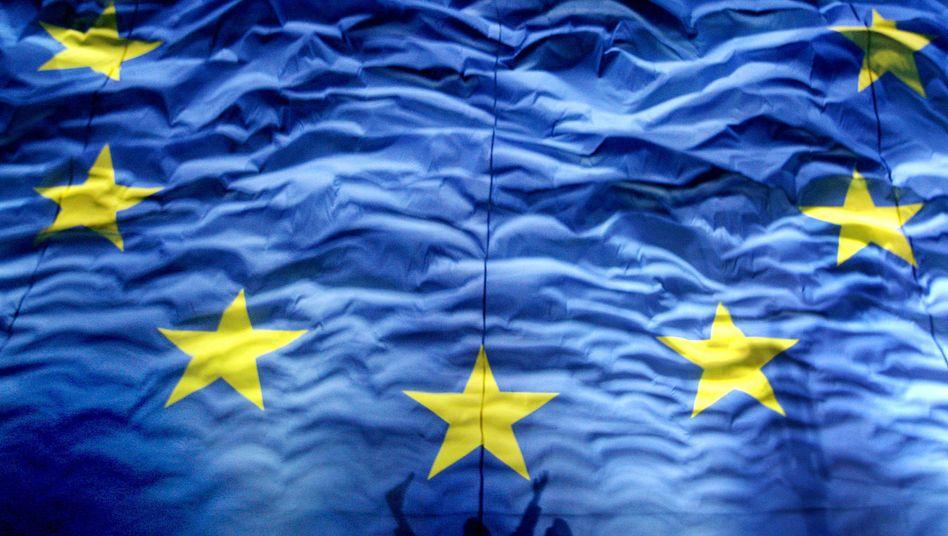 Europa-Flagge: Bald soll es in der EU ein einheitliches Datenschutzgesetz geben