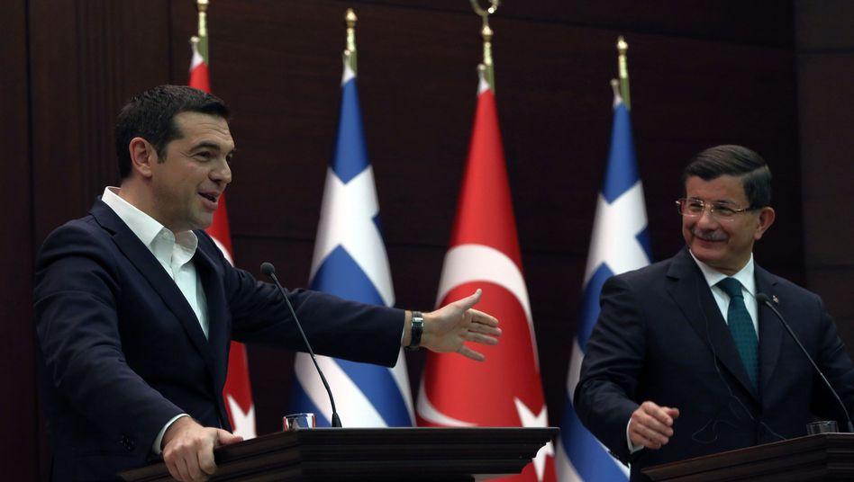 Alexis Tsipras (li.), Ahmet Davutoglu: Gipfel vereinbart